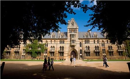 英国大学排行榜评估标准不一 参考价值因人而异